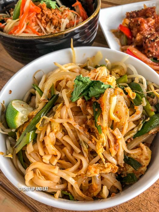 Spicy pad Thai noodles